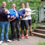 Alex, Niels, Denis, Fabian liegend Tim